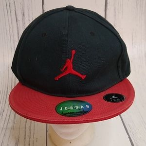 VTG Air Jordan Black Red Fitted Hat 7 3/4 New